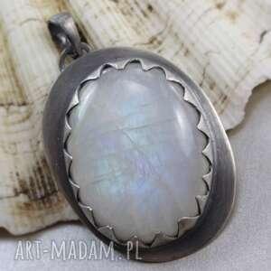 niebieskie wisiorki księżycowy kamień w srebrnych