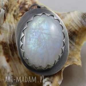 handmade wisiorki wisior kamień księżycowy w srebrnych