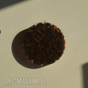 kawa wisiorki na okrągło - wisior z ziaren