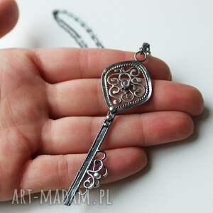 wisiorki labradoryt klucz do złamanego serca