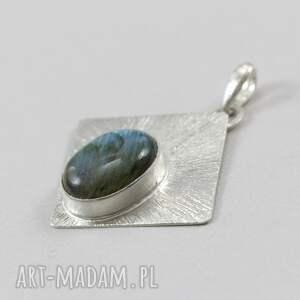 labradoryt wisiorki niebieskie i fakturowane srebro