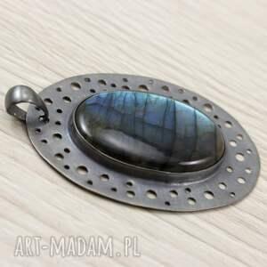 nietuzinkowe wisiorki niebieski labradoryt w ażurowym srebrze