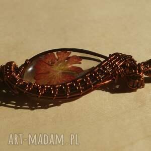 oryginalne wisiorki delikatny-wzór liść w woalu - zawieszka z żywicy