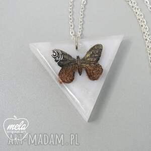 żywica wisiorki 0298/ mela wisior z żywicy trójkąt
