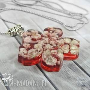 0682~mela~ wisiorek z żywicy, kwiat, czerwień - żywica epoksyd