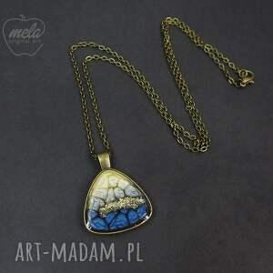 medalion wisiorki ~mela~ wisiorek z żywicy triangle
