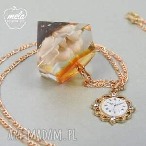 pomarańczowe wisiorki wisiorek 0285/mela~wisiorek z żywicy seria