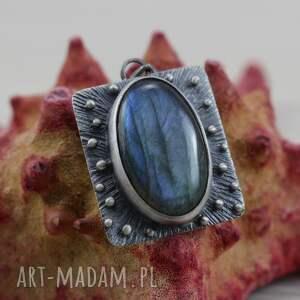 niekonwencjonalne wisiorki srebrny wisior niebieski labradoryt i srebro