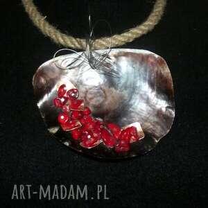 esterka opleciona muszla - koral naszyjnik