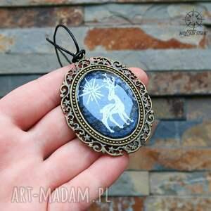 jeleń wisiorki czarne patrunus - metaliczny amulet
