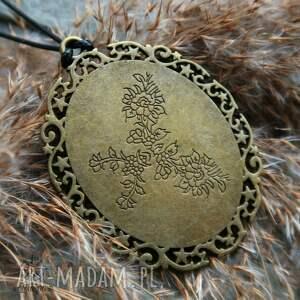 niebieskie wisiorki kosmos patrunus - metaliczny amulet