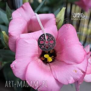 wisiorki srebro rozetka lilijka