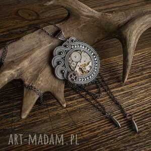 niebanalne wisiorki steampunk steampunkowy wisior sutaszowy