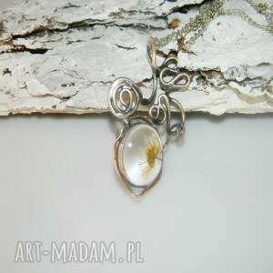 unikatowa-biżuteria wisiorki suszona stokrotka