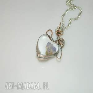wisiorki: szklane serce - suszone kwiaty
