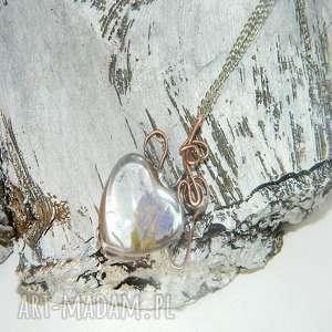 wisiorki: szklane serce - suszone kwiaty szklany wisior