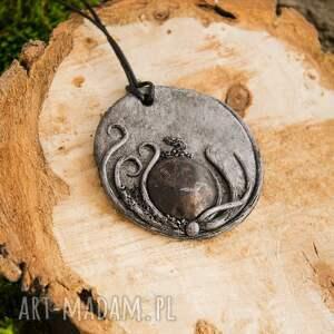 intrygujące wisiorki medalion wisior inspirowany naturą