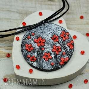 unikatowe wisiorki wisiore czerwone kwiaty wisior