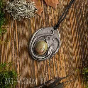 ciekawe natura wisior liść z unakitem