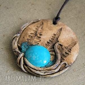 gustowne wisiorki polymerclay wisior medalion z niebieską