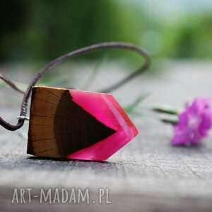 wisior wisiorki brązowe rosy arrow