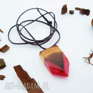 intrygujące wisiorki wisior rosy arrow