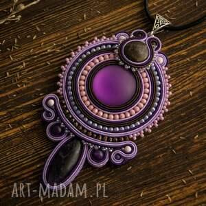intrygujące wisiorki fioletowy wisior soutache w odcieniach