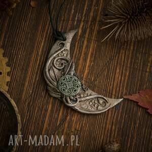 turkusowe wisiorki księżyc wisior steampunkowy