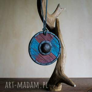 niebieskie wisiorki biżuteriacosplay wisior w formie niebiesko czerwonej tarczy