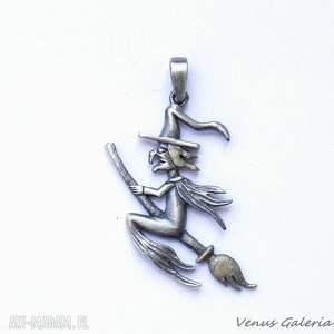 awangardowe wisiorki biżuteria wisiorek srebrny - wiedźma mała