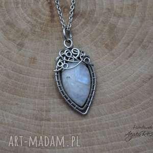 białe wisiorki wire-wrapping wisiorek z kamieniem księżycowym