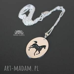 wyraziste wisiorki koń wisiorek z koniem