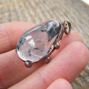 brązowe wisiorki wisiorek kryształ z łańcuszkiem