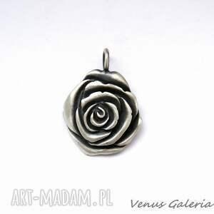 nietuzinkowe wisiorki zawieszka srebrna - oksydowana róża