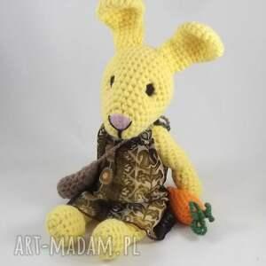 żółte zabawki zając amelka - szydełkowa pani