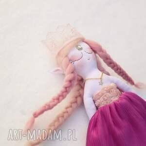 eleganckie zabawki lalka bajka z magiczną szafą - elfia
