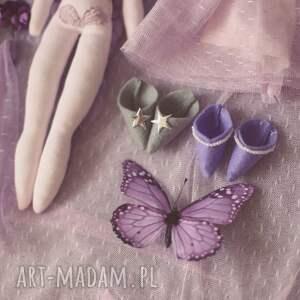 różowe zabawki ubranka bajka z magiczną szafą - elfia