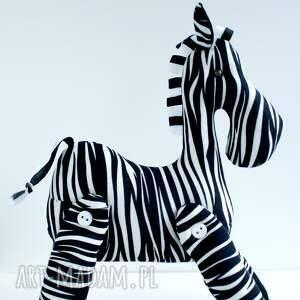 maskotka zabawki brykająca zebra przytulanka