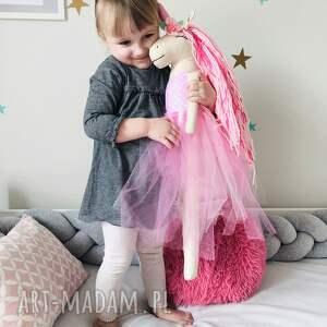 różowe zabawki jednorożec baletnica
