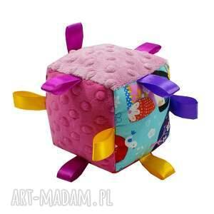 niekonwencjonalne zabawki kostka sensoryczna grzechotka, wzór