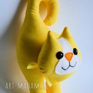 żółty zabawki kotek klamkowy stasia