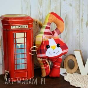 białe zabawki kratka kotek - zawieszka - leoś