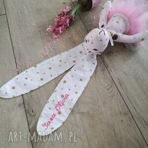 różowe zabawki narodziny króliczek z okazji narodzin