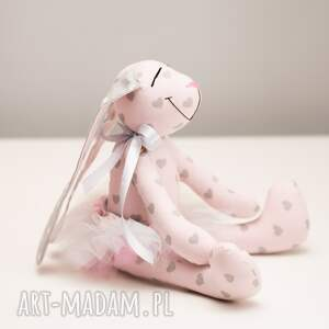 białe zabawki prezent królik chrzest przent