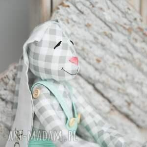nietypowe zabawki królik przytulanka z imieniem