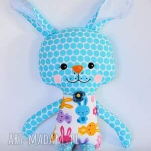 awangardowe zabawki królik tuptuś - marzenka