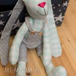 intrygujące zabawki królik z imieniem