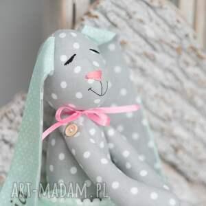 szare zabawki prezent królik z imieniem personalizacja