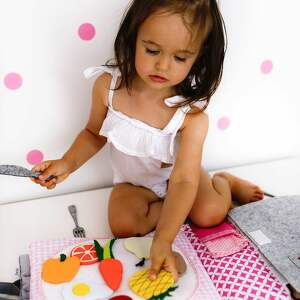 Ksiązeczka sensoryczna Quiet Book dla dziewczynki od 3 lat