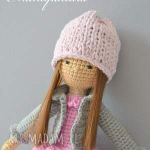 białe zabawki lalka lala doris -